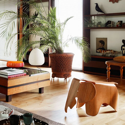 Image of the famous wooden chair shaped like an elephant.
